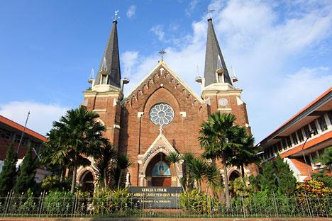 gereja-santa-maria-1
